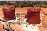 Chief installation of vertical tanks in Guinea